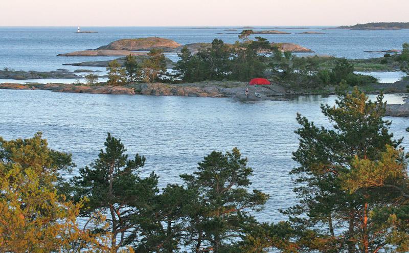 """Östra udden sedd från en av öns """"toppar"""""""