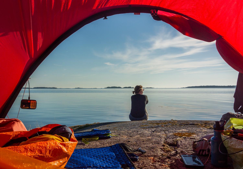 Morgonvy från tältet. Boskär vänster i bild